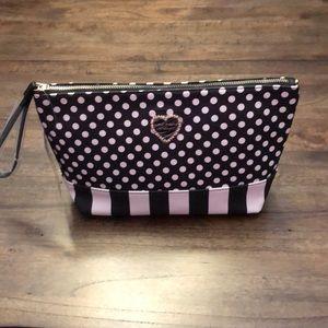 🆕BetseyJohnson ~ Clutch/Cosmetic Bag